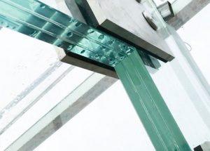 نصب شیشه لمینت